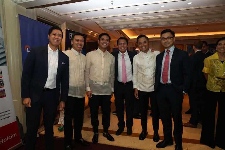 Damosa Land Inc First Vice President Ricardo Lagdameo with other developers