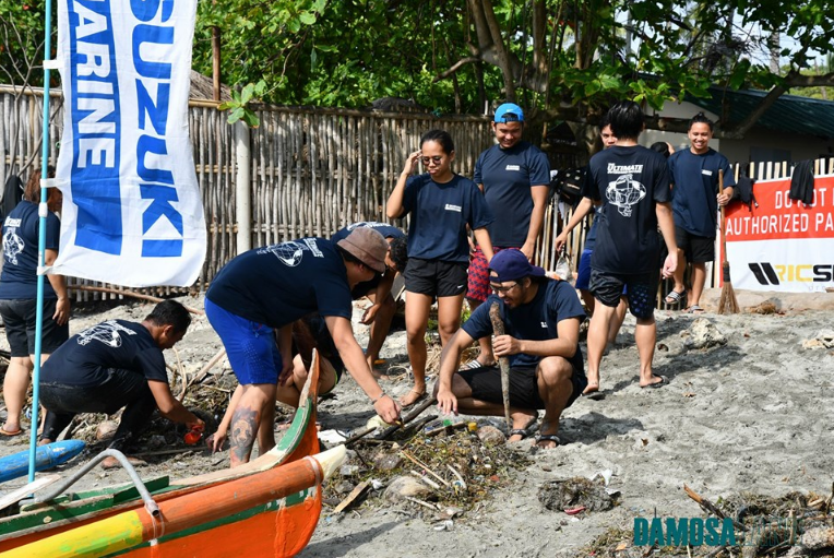 Volunteers making an effort to clean up our coasts to give back to Mother Nature